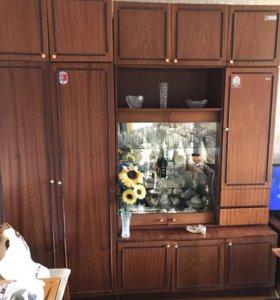 Стенка и шкаф плательный