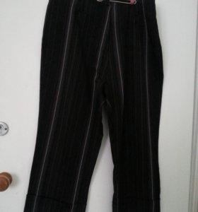 Бриджи черные с полоской 50 размер