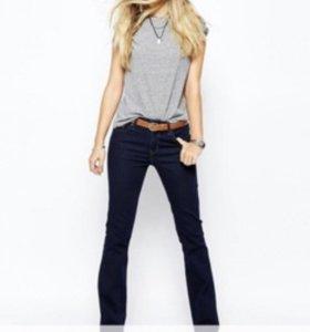 Levi's джинсы новые с биркой