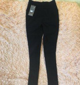 Новые джинсы-резинки,завышенная талия