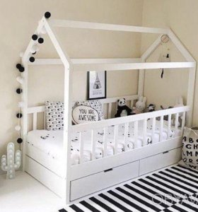 Кровать-домик с ящиками