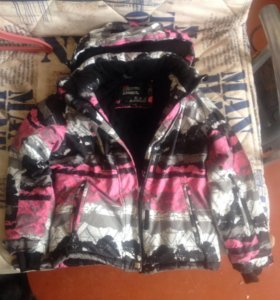 Куртка зимняя для девочки на  129-134см