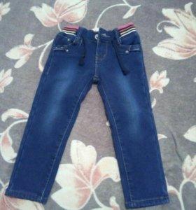 Продаются теплые джинсы на девочку.