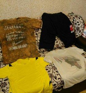 Шорты и три футболки мужские