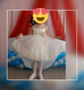 Платье на 6 - 7 лет