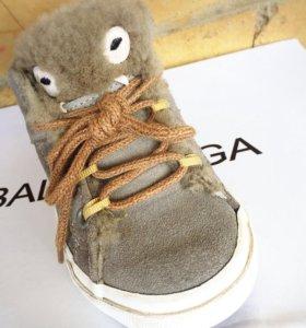 Утеплённые кроссовки (ZARA)