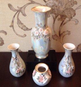 Фарфоровый набор вазочек