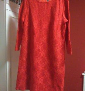 Тёплое кружевное платье