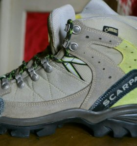 Ботинки походные