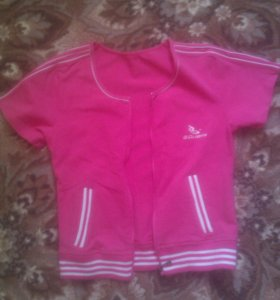 Розовая спортивная жилетка с замком