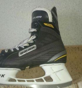 Коньки хоккейные либительские