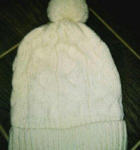 Зимняя вязаная шапка