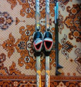 Беговые лыжи для ребёнка в школу.