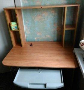 Компьютерный стол (письменная)