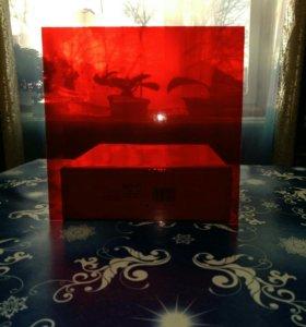 Стекло красного цвета