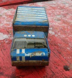 Игрушка машинка фургон из СССР