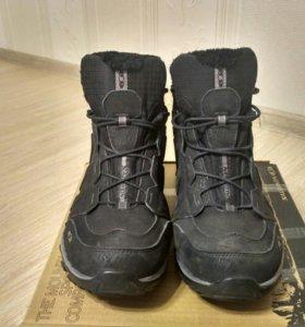 Продаю зимние мужские кроссовки Salomon