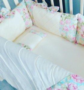 Комплект в детскую кроватку ручной работы