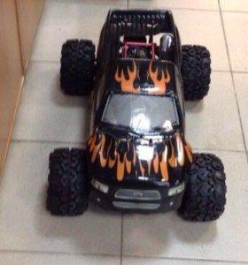 Радиоуправляемая модель VRX Racing Hurricane 4WD