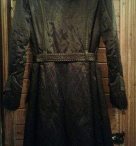 Пальто с воротником из меха  енота