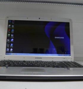 Ноутбук Samsung R530-JT03RU i3/250GB/3GB/512MB