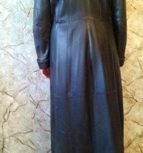 Пальто женское кожаное размер 48