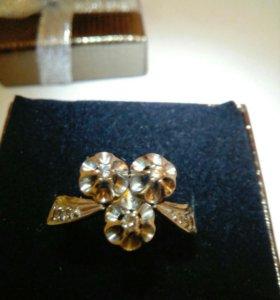 Кольцо золотое с бриллиантами, 17,5 размер