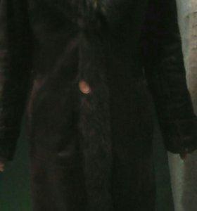 Кожаное пальто натуральное,воротник Волк,б.у.
