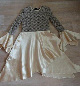 Красивое платье р.134