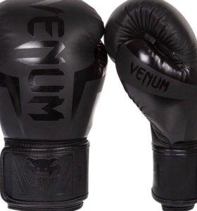 Перчатки боксёрские VENUM
