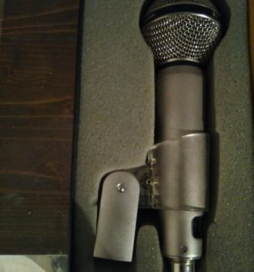 Микрофон AKG D2000C