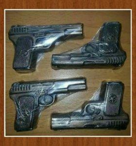 """Мыло ручной работы """" Пистолет """""""