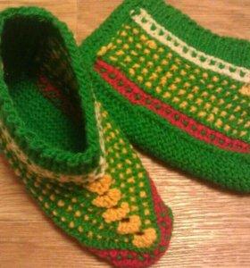 Вязаные башмачки и носочки