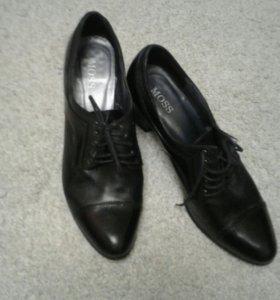 Ботинки кожаные размер 39