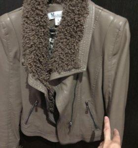 Куртка из кожзама, Италия.