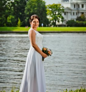 Классическое прямое свадебное платье