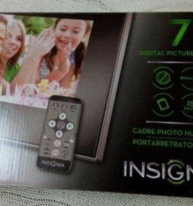 Цифровая фоторамка из США INSIGNIA