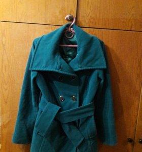 Пальто демисезонное р.44-46