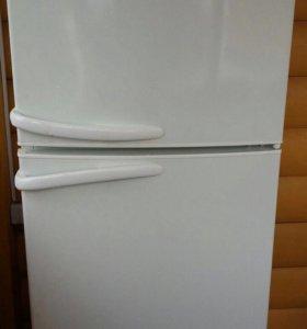 Холодильник Атлант на запчасти