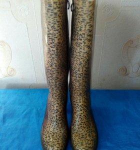 Женские резиновые сапожки