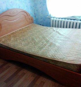 Кровать 2 спальная и 2 тумбочки прикраватные