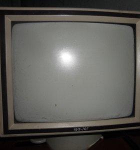 Телевизор и видеоплеер