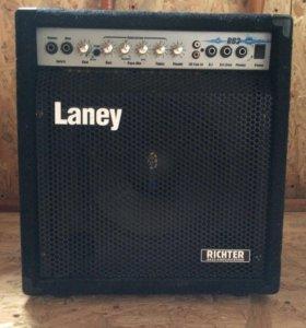 Басовый комбик Laney RB2 (30w)