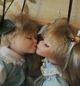 Фарфоровые куколки «Влюбленные малыши».