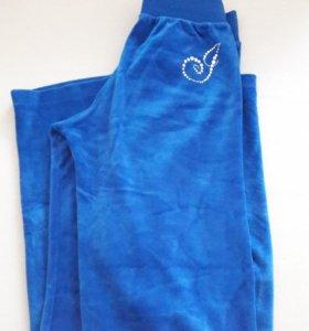 Велюровый костюм и подарок кеды