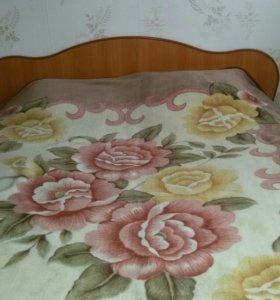 Кровать двух спальная с матрасом