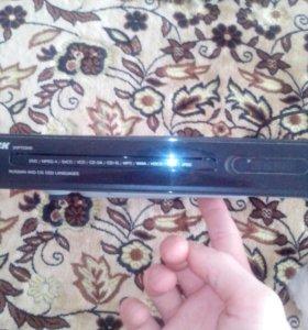 DVD проигрователь с HDM выходом и тюльпаны