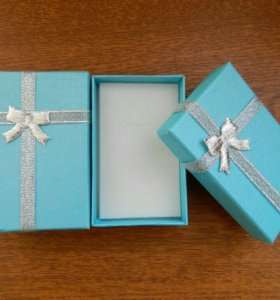 Подарочная коробка. Голубая.