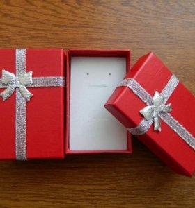 Подарочная коробка. Красная.
