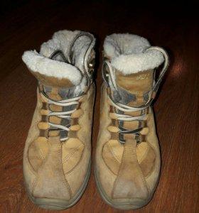 Кроссовки зимнии